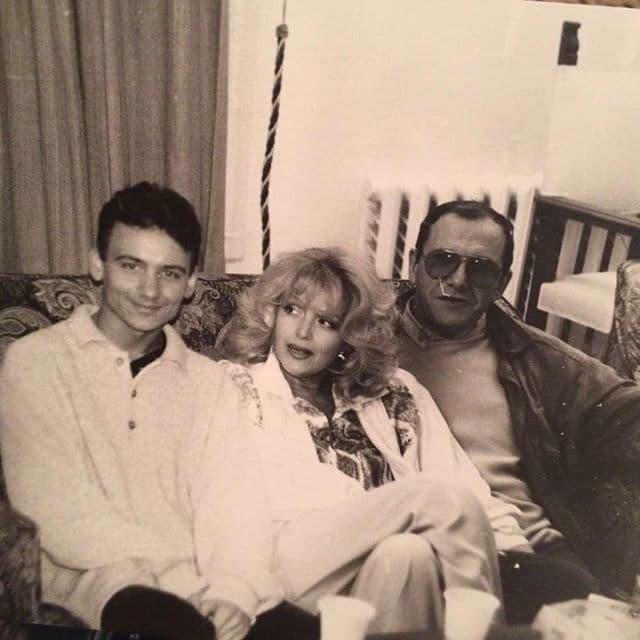 Максим Виторган в молодости с семьей