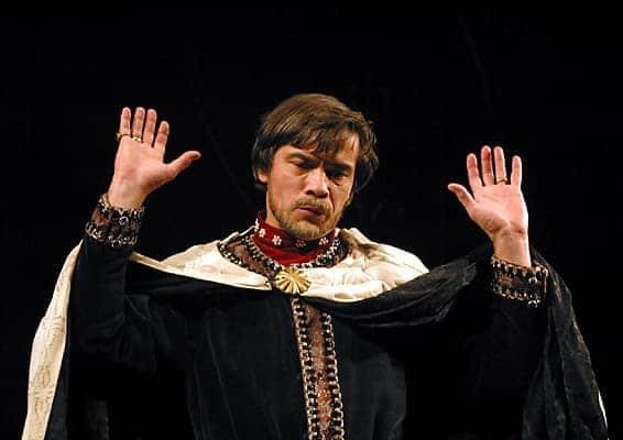 Александр Коршунов в театре