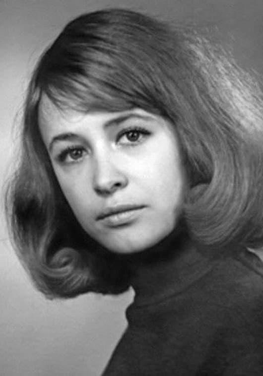 Марина Неёлова в молодости