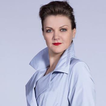 Анна Уколова