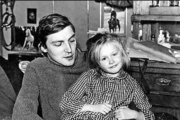 Полина Невзорова с отцом Александром Невзоровым