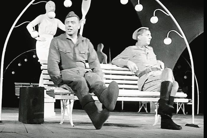 Молодой Анатолий Папанов в театре