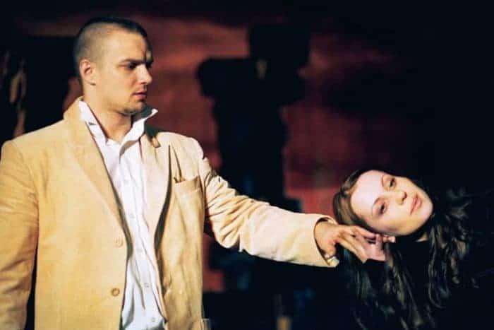 Владимир Епифанцев играет в театре