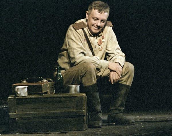 Кирилл Лавров в театре