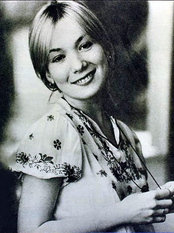 Елена Коренева в юности