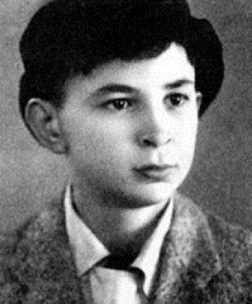 Илья Олейников в детстве
