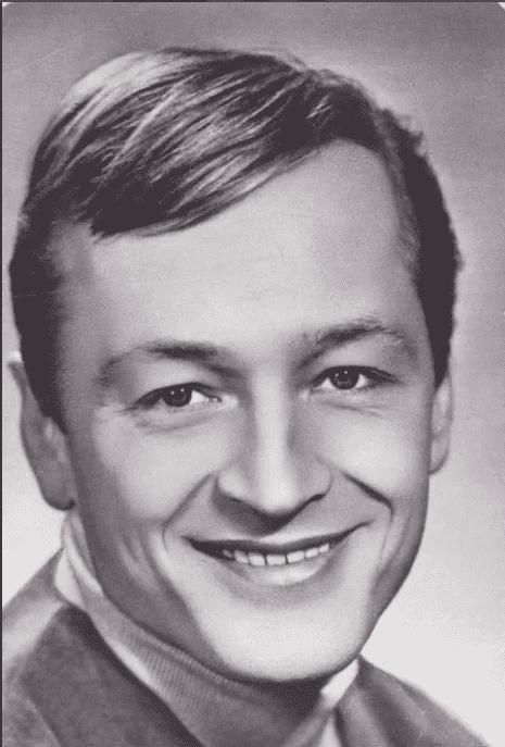 Михаил Ножкин в молодости