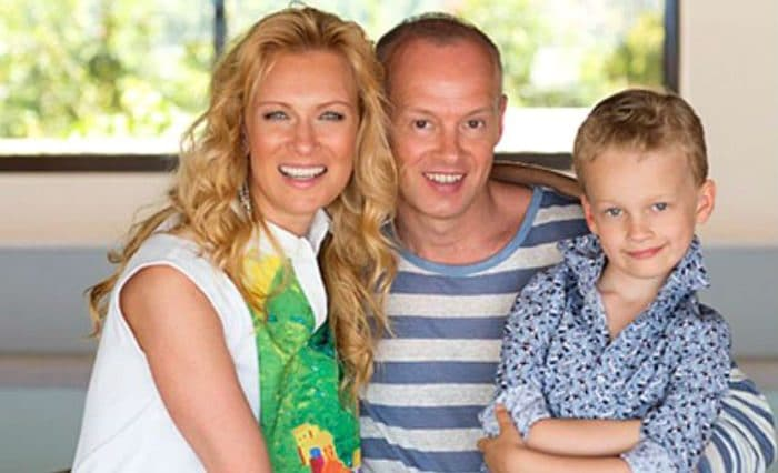 Олеся Судзиловская с мужем и сыном