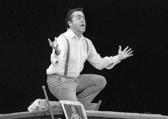 Роман Карцев играет в театре