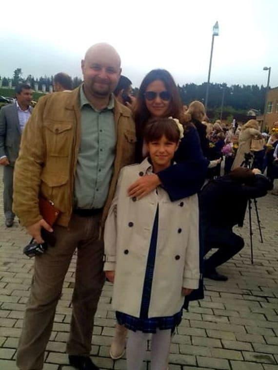 Екатерина Климова с мужем Ильей Хорошиловым и дочкой Лизой