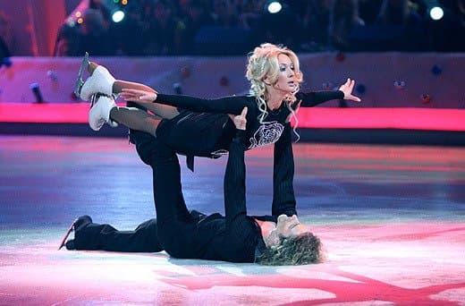Лера Кудрявцева и Гвендаль Пейзера в шоу «Звездный лед»