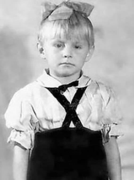 Ангелина Вовк в детстве