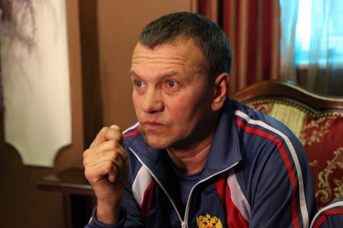 Александр Наумов в фильме «Брат-2»