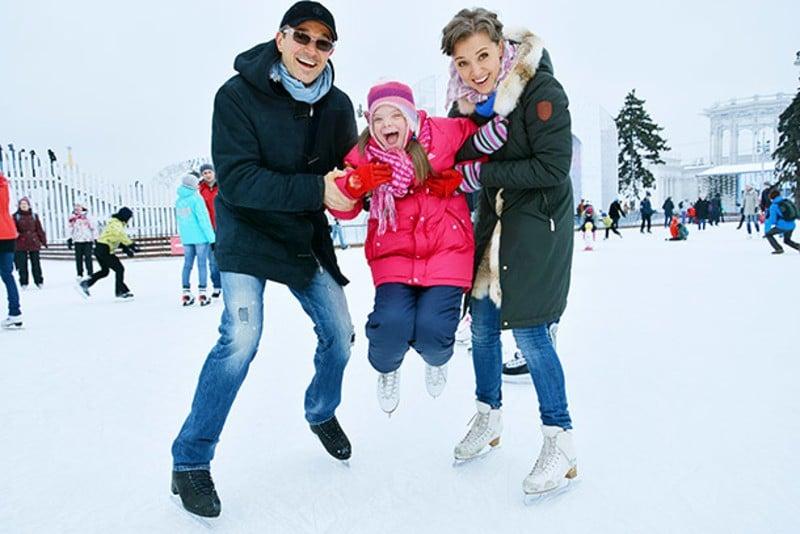 Егор Бероев с дочкой и Ксенией Алферовой