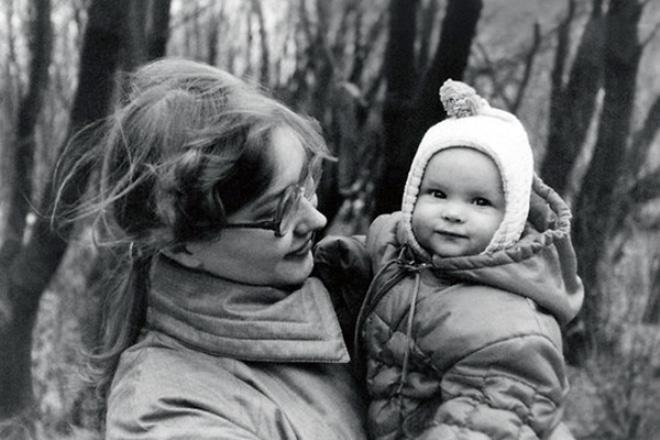 Светлана Иванова с мамой в детстве