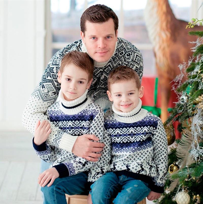 Илья Алексеев с детьми