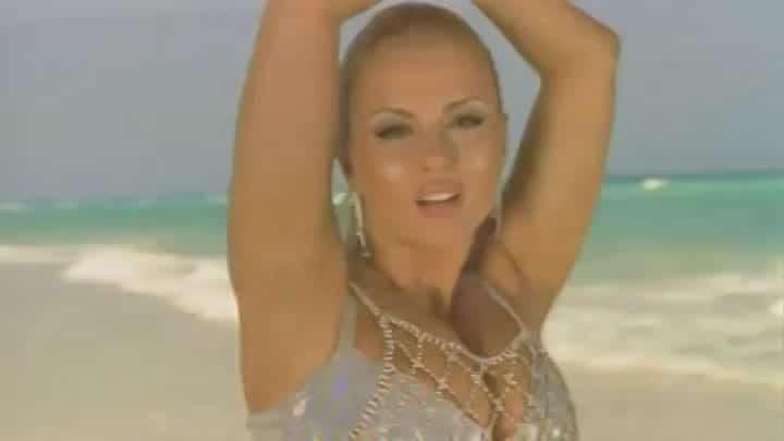 Анна Семенович в клипе «На моря»