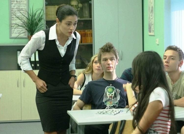 Виктория Полторак в сериале «Физика или химия»
