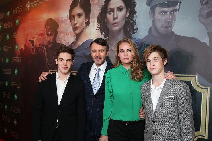 Павел Трубинер с женой и сыновьями