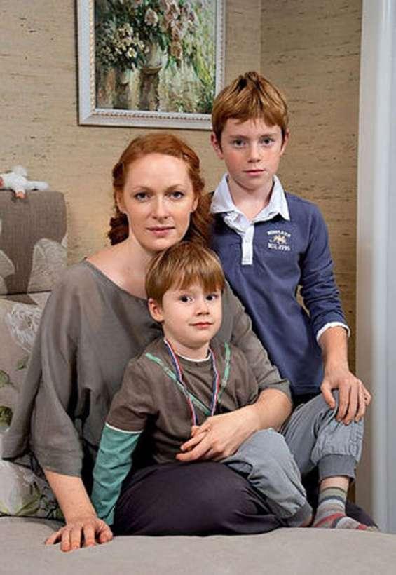 Наталья Рогожкина с детьми