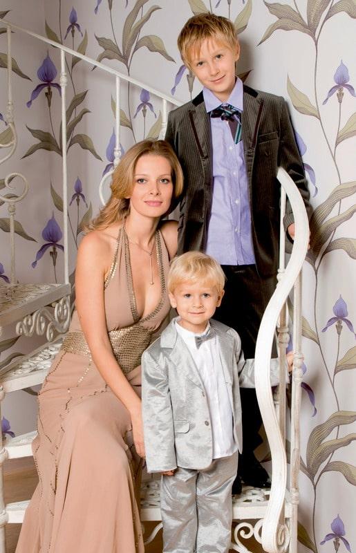 Александра Ребенок с детьми