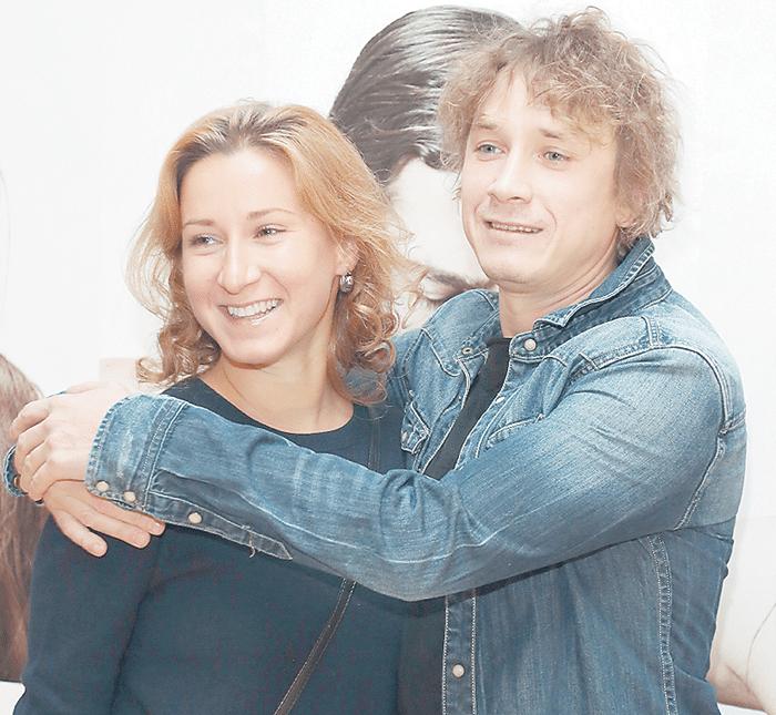 Александр Яценко с женой Мариной Рожковой