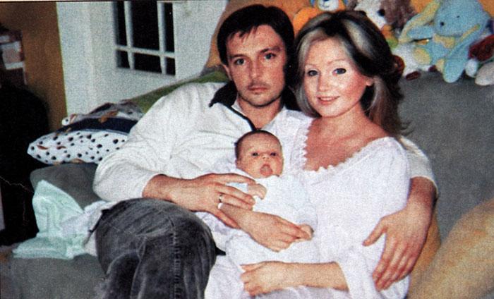 Ирина Климова с Алексеем Ниловым и ребенком