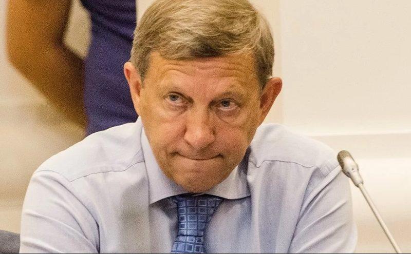 Владимир Евтушенков  основатель ЗАО «МКНТ»