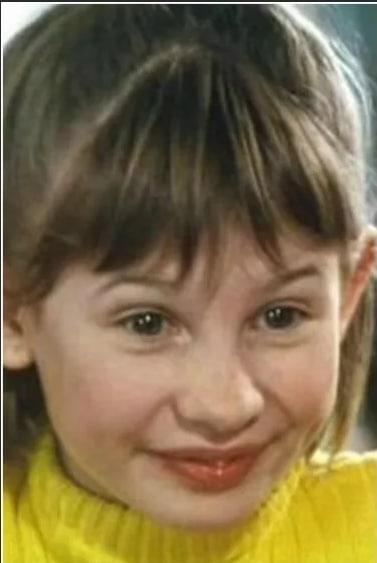 Анна Цуканова в детстве