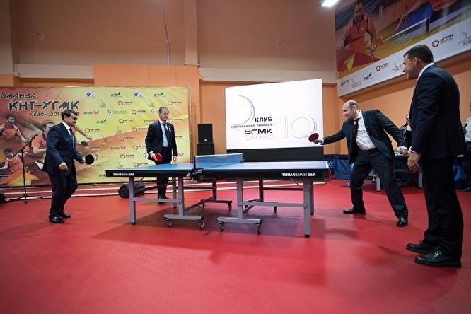 Андрей Козицын на открытии школы настольного тенниса УГМК