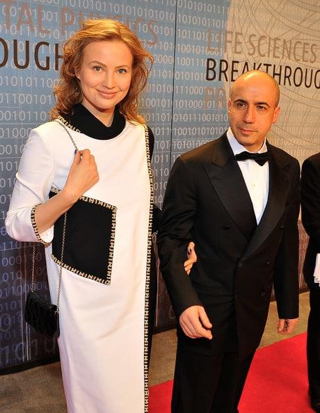 Юрий Мильнер с женой Юлией