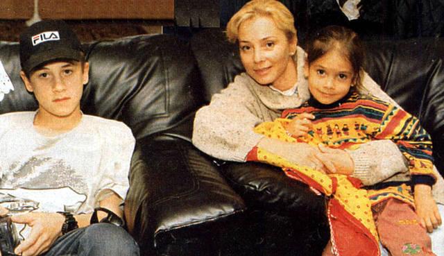 Галина Беляева с детьми