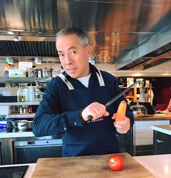 Аркадий Новиков обучает на курсе Chefshows by Novikov