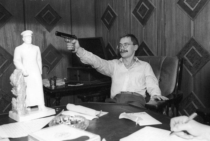 Герман Стерлигов в своем кабинете