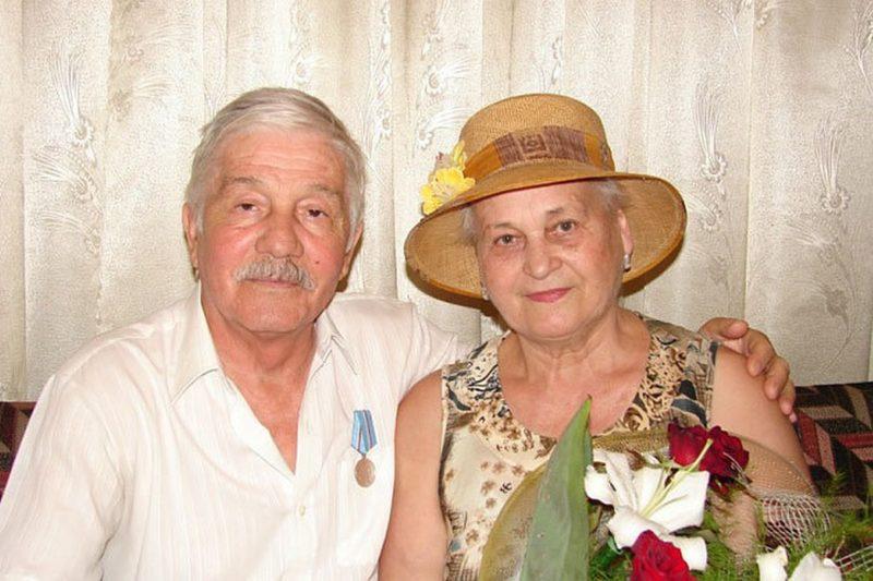 Михай Волонтир с женой Ефросиньей Добыдэ