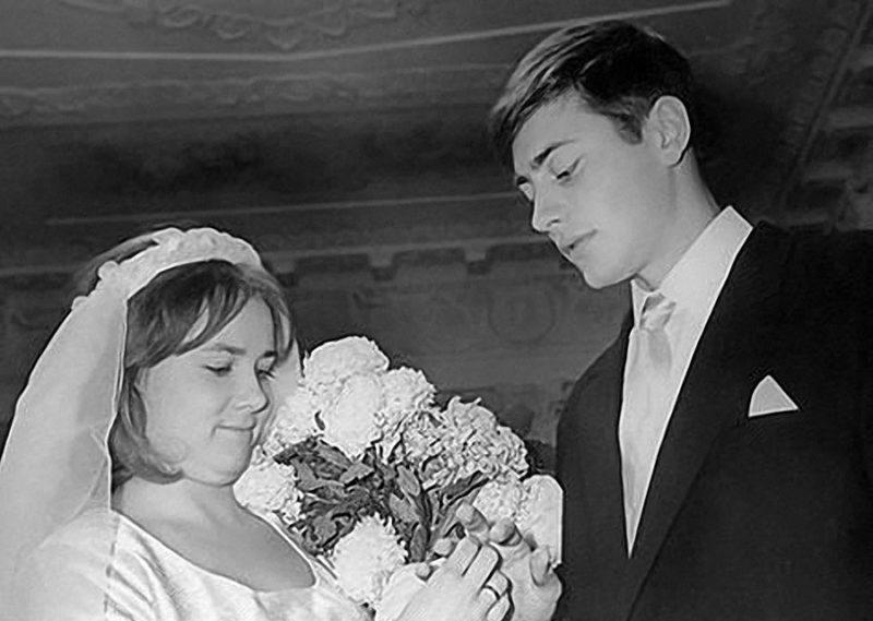 Валентин Смирнитский женится на Людмиле Пашковой