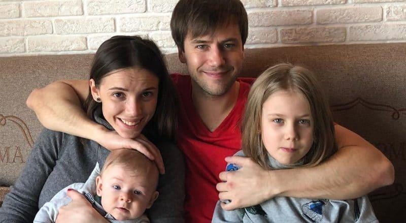 Иван Жидков с детьми