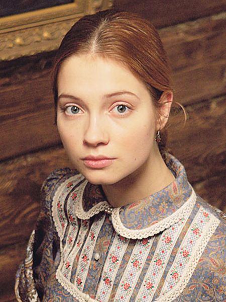 Мария Луговая в юности
