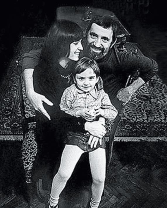 Виктор Мережко с женой и дочерью