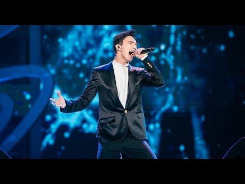 Димаш Кудайбергенов исполняет песню «Адажио»
