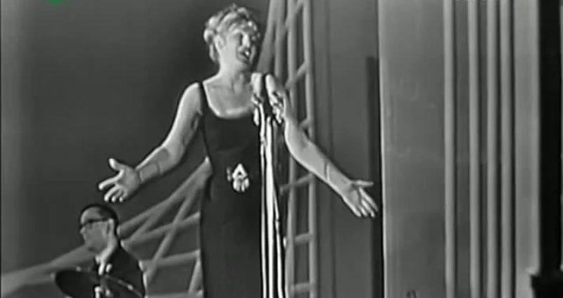 Анна Герман исполняет песню «Танцующие Эвридики»