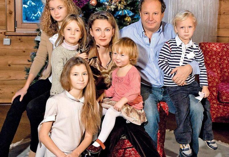 Дмитрий Астрахан с семьей