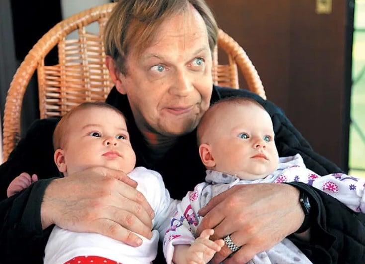 Михаил Горевой с дочкой и внучкой