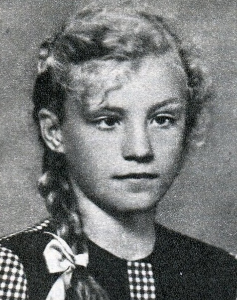 Анна Герман в детстве