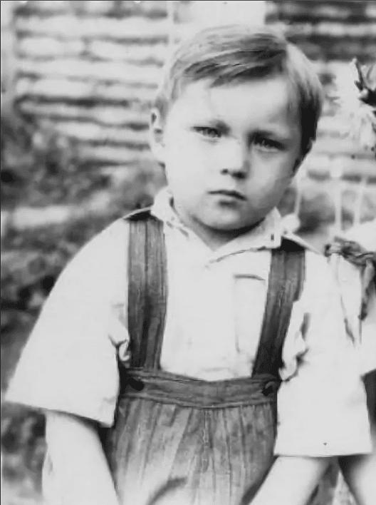 Николай Чиндяйкин в детстве