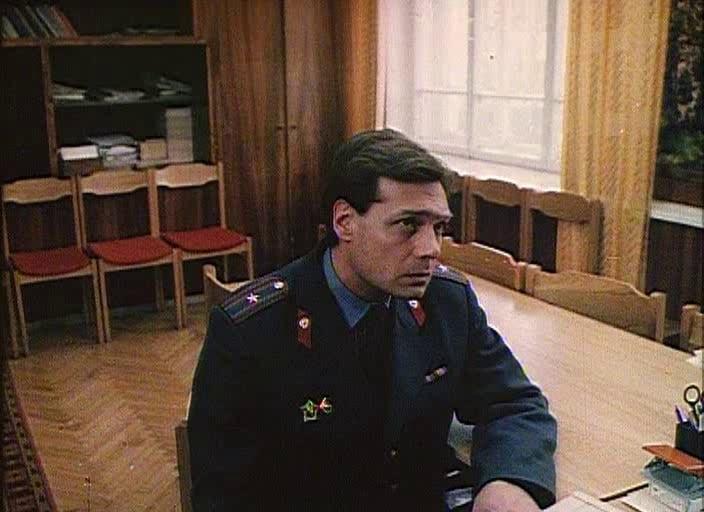 Василий Мищенко в фильме «Дураки умирают по пятницам»