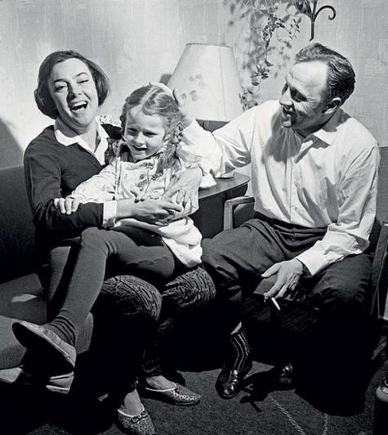 Алла Парфаньяк с Михаилом Ульяновым и дочкой