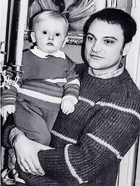 Леонид - муж Галины Яцкины с сыном