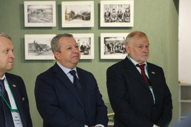 Захар Смушкин с партнерами