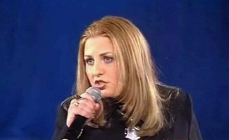 Катя Огонек на концерте